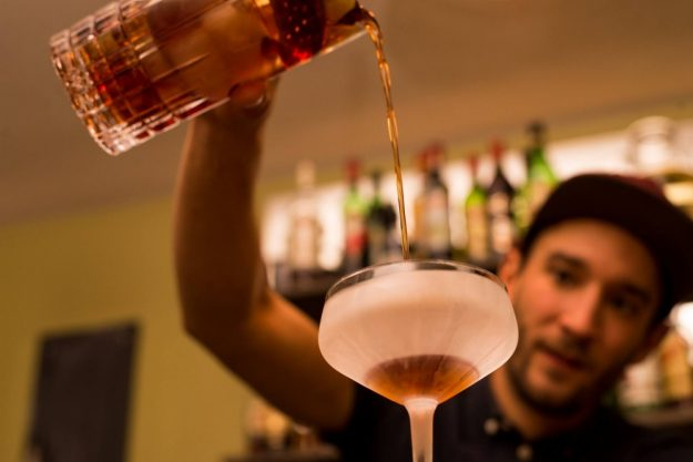 Bar-Hopping Wien – Cocktails mixen