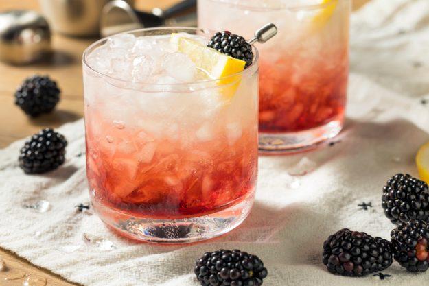 Cocktailkurs in Wien – Bramble mit Brombeeren