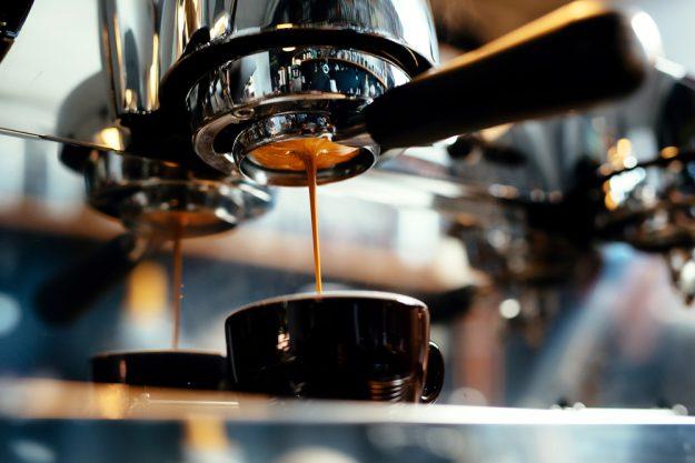 Latte-Art-Kurs Wien – Espresso aus Maschine
