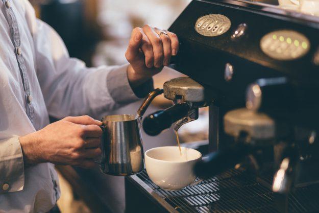 Latte-Art-Kurs Wien – Milch schäumen