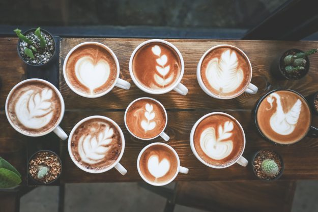 Latte-Art-Kurs Wien – verschiedene Latte Art Muster
