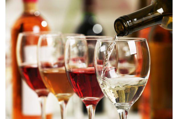 Weinseminar Wein – Wein einschenken