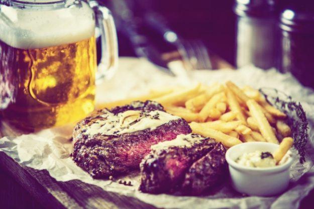 Bierproben-Gutschein –Verschiedene Biersorten verkosten mit zartem Steak und Pommes