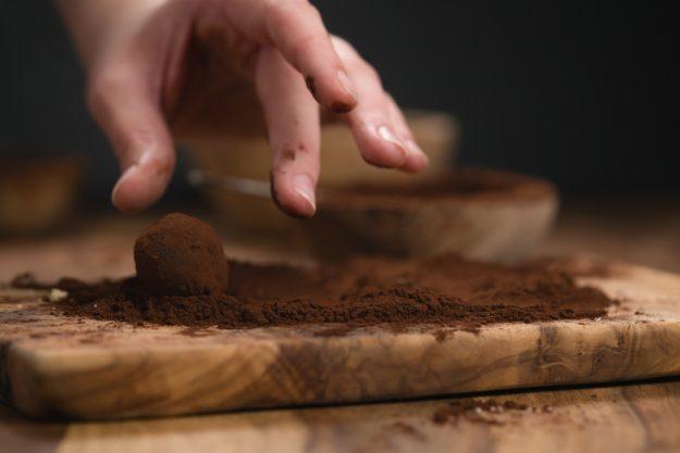 Pralinenkurs Wien – Trüffel in Kakao wälzen