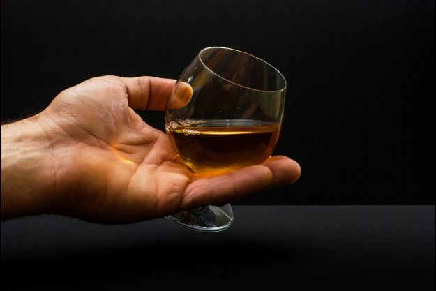 Whisky-Tasting Wien – Whiskyglas schwenken