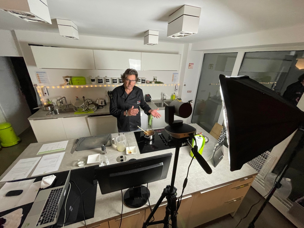 Kochkurs online aus Profistudio live übertragen